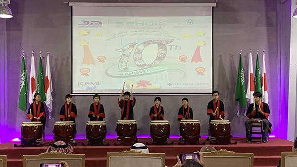 リヤド日本人学校の生徒による日本文化パフォーマンス